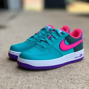 """NIKE AIR FORCE 1 NOW """"CABANA HYPER PINK"""""""